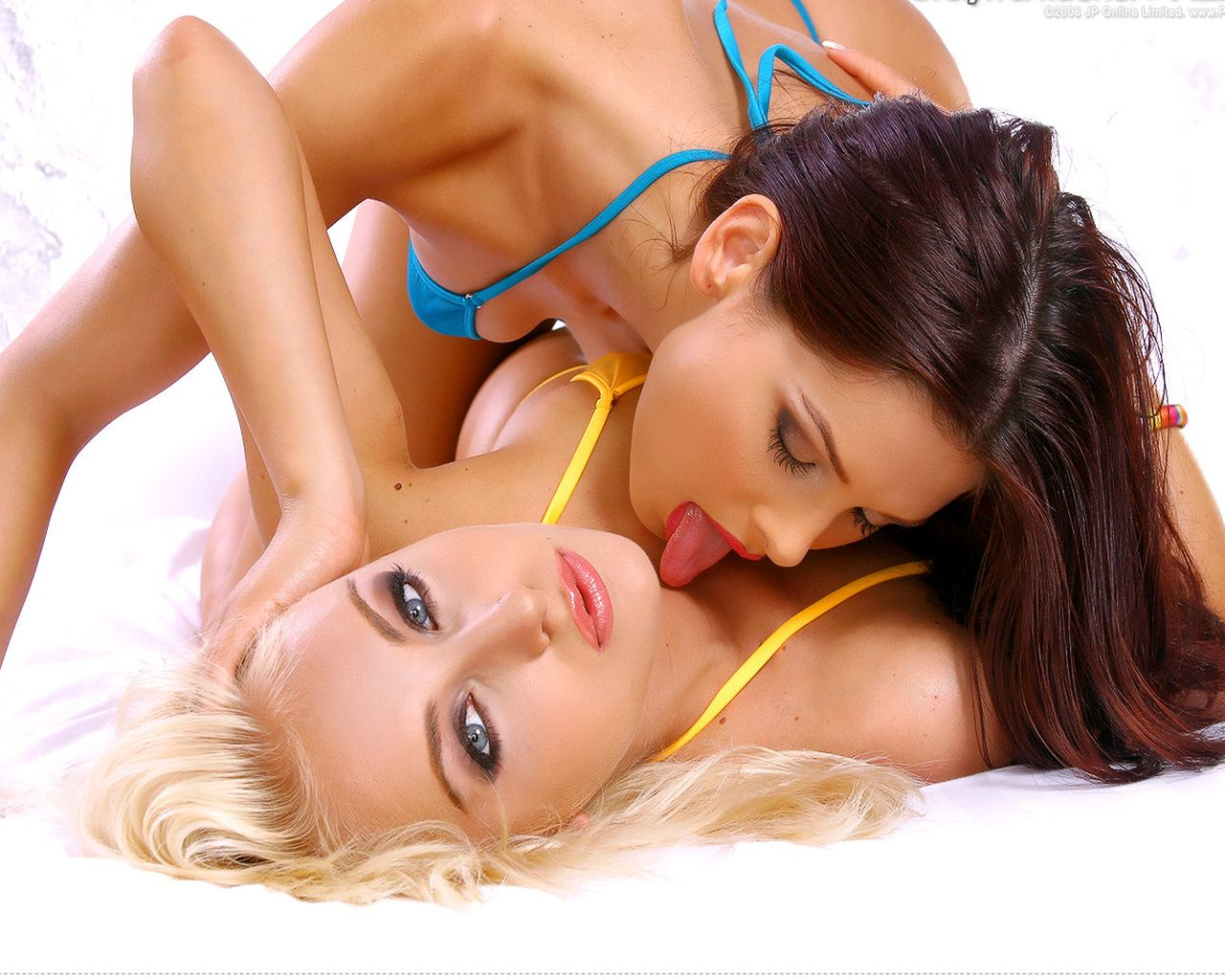Erotic massage with lesbian show «Games of Priestesses»