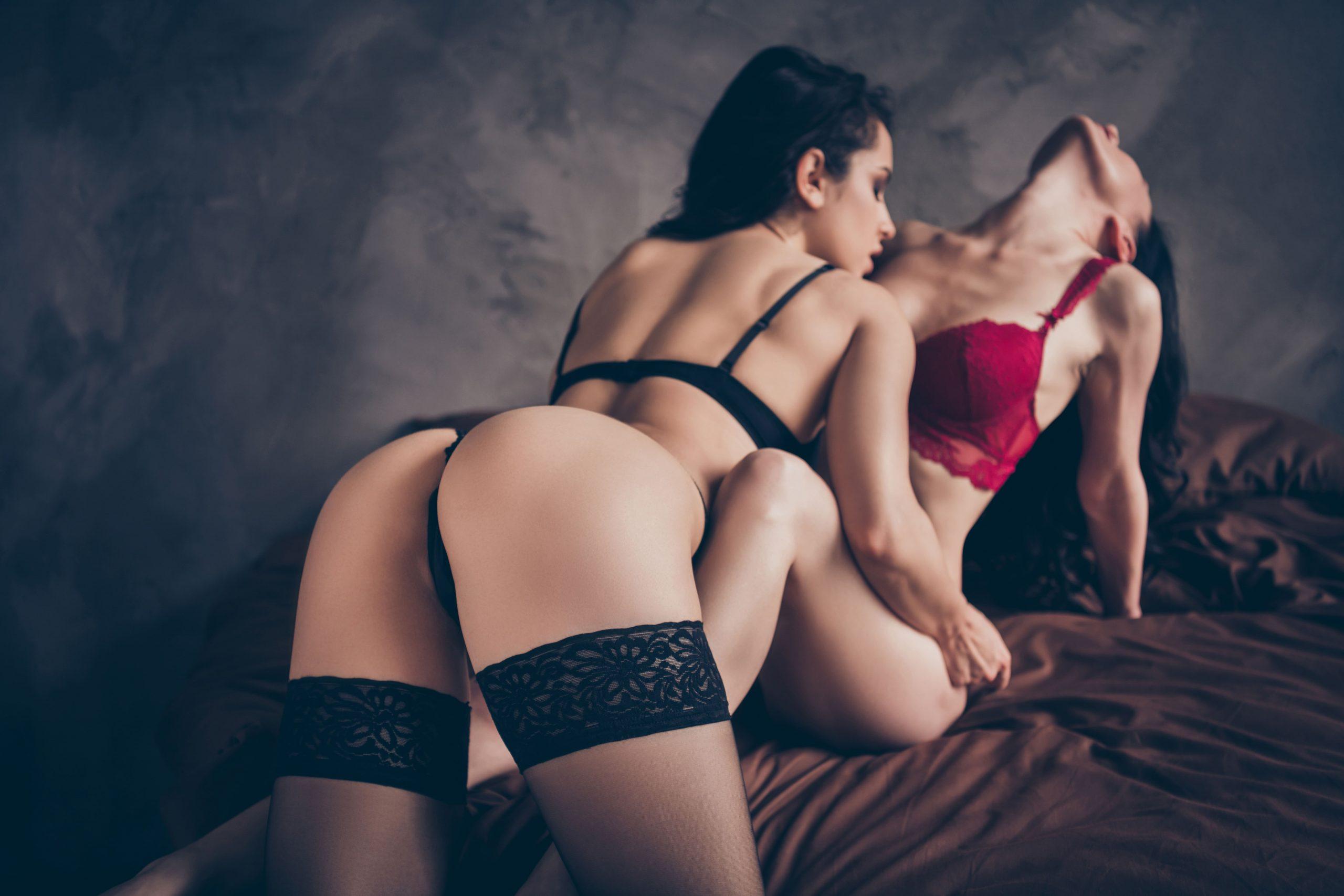 Эротический массаж «Лесби-шоу»