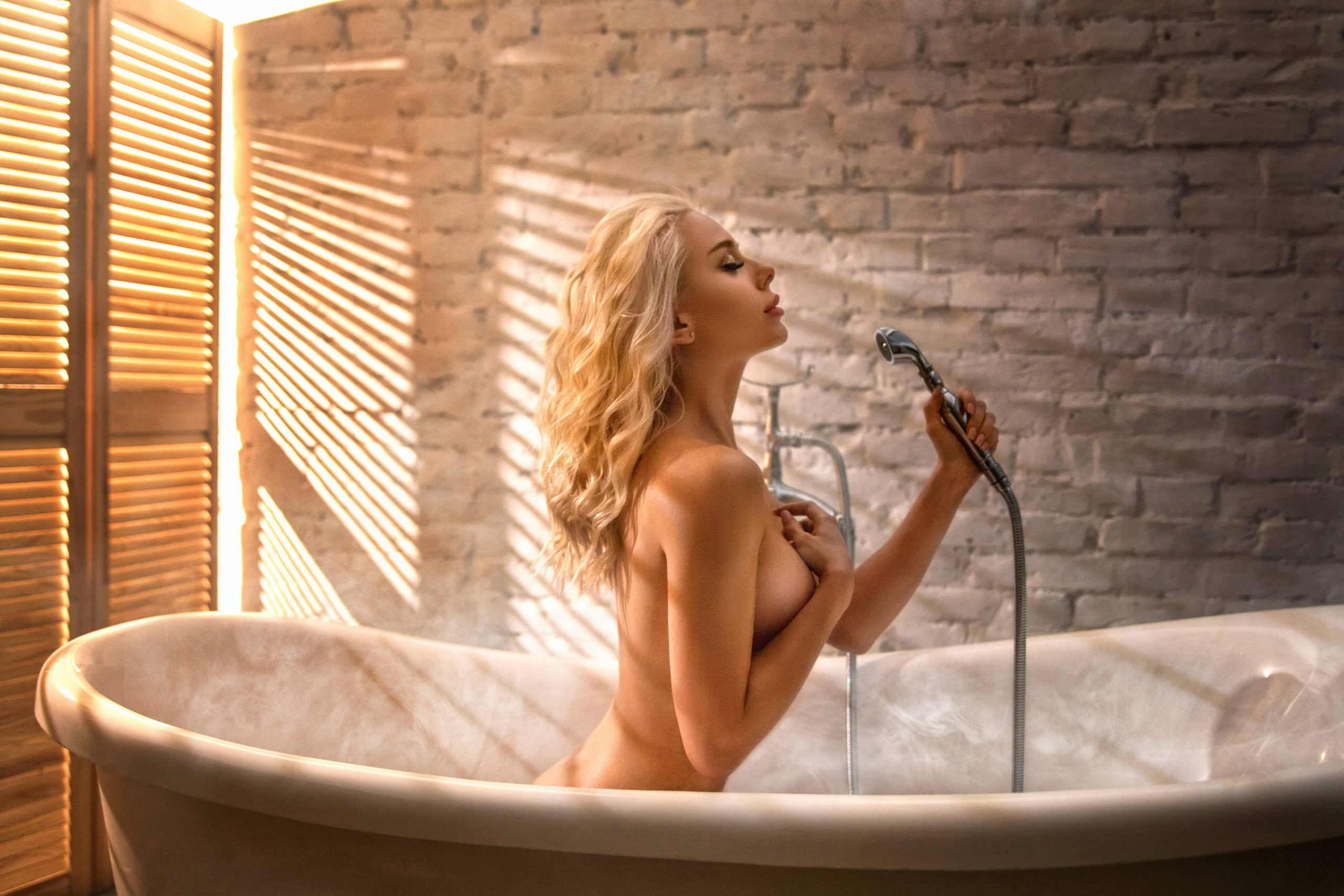 Erotic massage in the Jacuzzi «Water extravaganza»